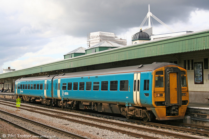 Arriva-liveried 158837 at Cardiff Central on 22nd October 2005.