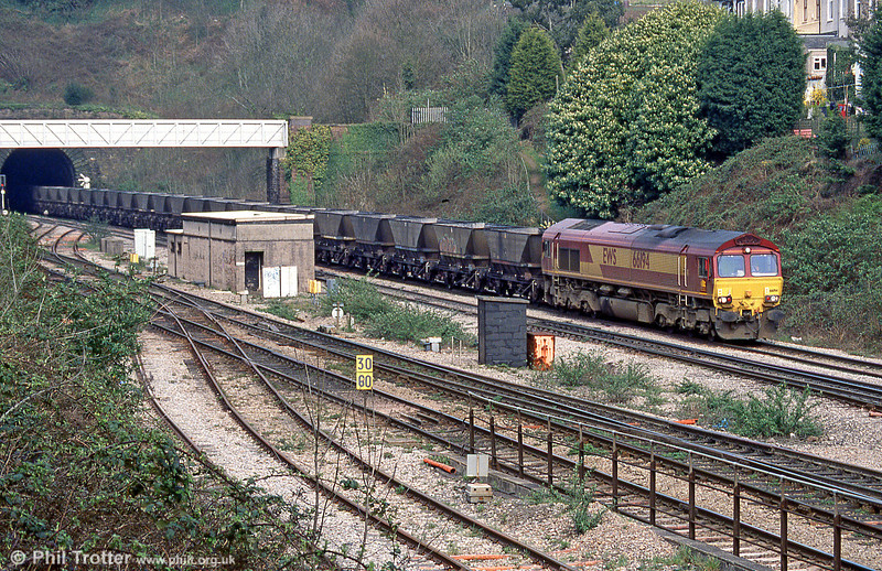 66194 approaches Newport ADJ Yard in April 2005.