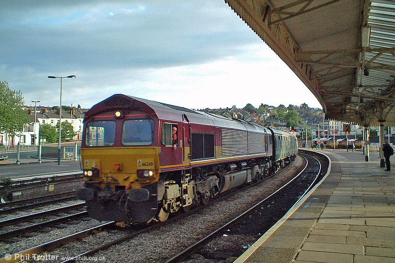 66249 passes through Newport with 1Z81, 1918 Cardiff Central to Norwood Junction 'Footex' on 26th June 2005.
