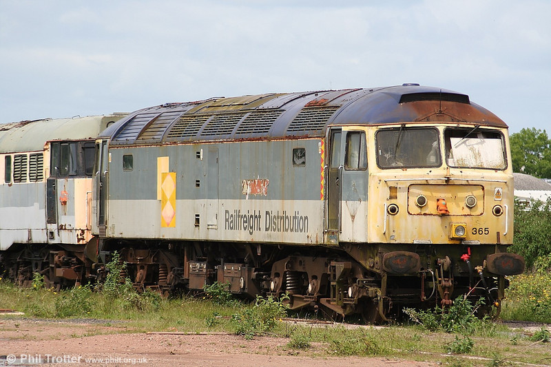 A closer look at 47365 in store at Cotswold Rail's Gloucester Horton Road yard on 28th May 2006.