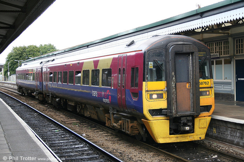 Another former Trans Pennine class 158 now in the South West is 158762, seen at Westbury on the 1430 Cardiff to Portsmouth Harbour working on 2nd August 2006.