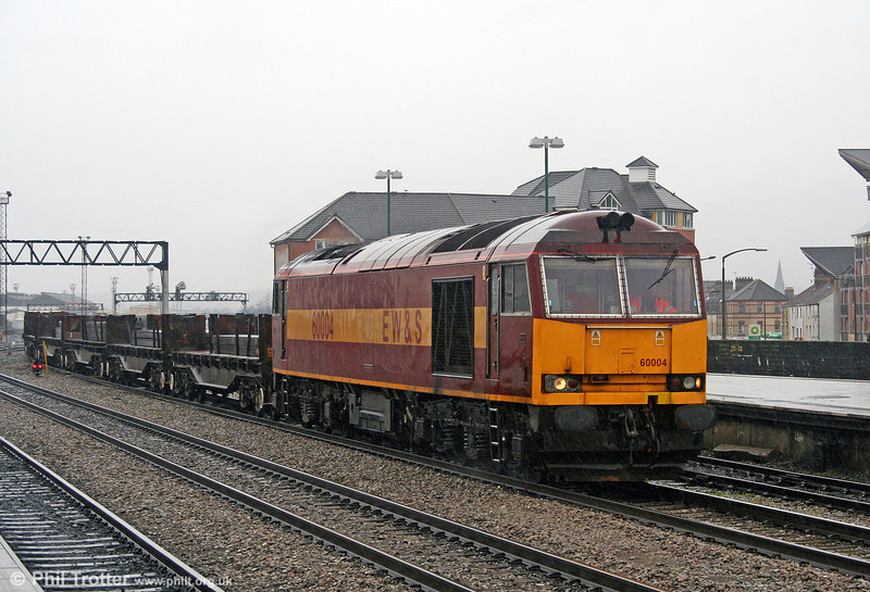 In filthy weather, 60004 passes through Cardiff Central with 6H27, 1415 Margam to Llanwern on 25th March 2006.