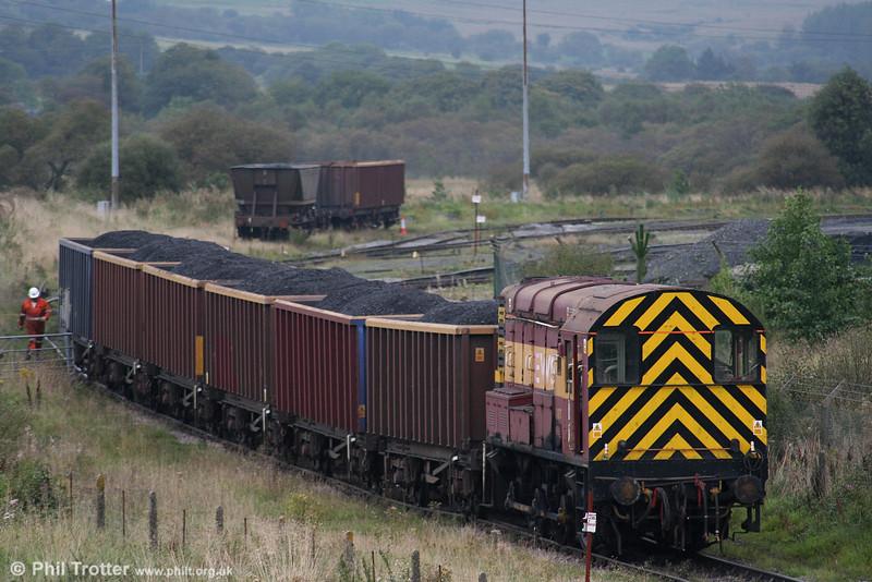 EWS 08714 shunts MEA box wagons at Onllwyn Washery on 13th September 2006.