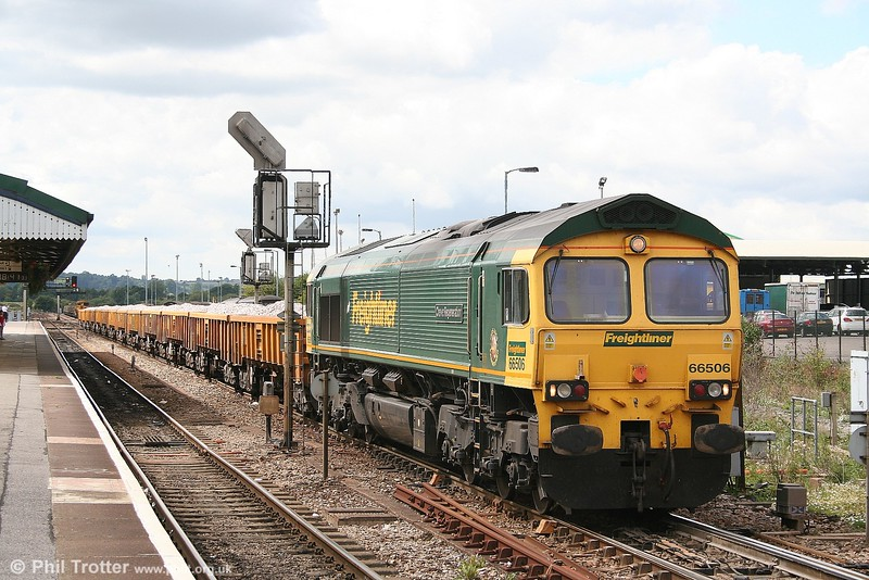 Freightliner 66506 'Crewe Regeneration' at the head of 6V36, the 0948 Southampton - Westbury Network Rail ballast train on 2nd August 2006.