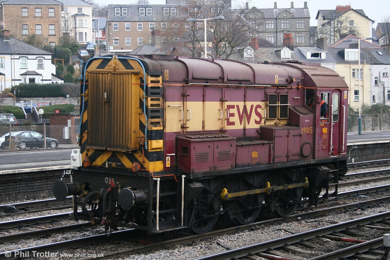 Steam age technology in the 21st century. 09015 at Newport, waiting to return to its Alexandra Dock Junction Yard base on 24th February 2006.