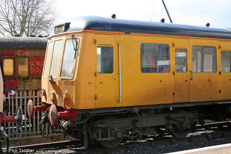 Close-up of Sandite unit 960015 (55019) in Network Rail livery at Aylesbury on 28th March 2006.