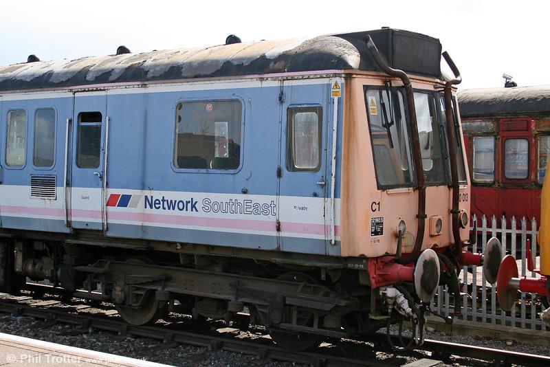 Chiltern Railways 960013 (55030), another Sandite unit. Aylesbury, 28th March 2006.