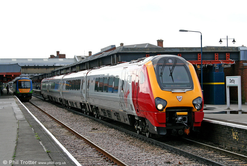 220007 'Thames Voyager' departs from Derby forming the 0625 Plymouth to Edinburgh on 30th March 2006.