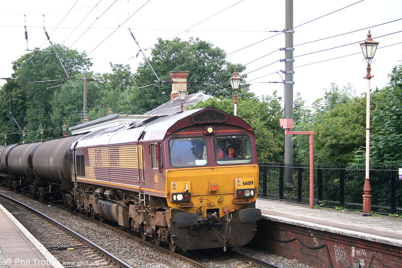 66189 at Hanwell with 6E38, 1340 Colnbrook - Lindsey tanks on 5th July 2007.