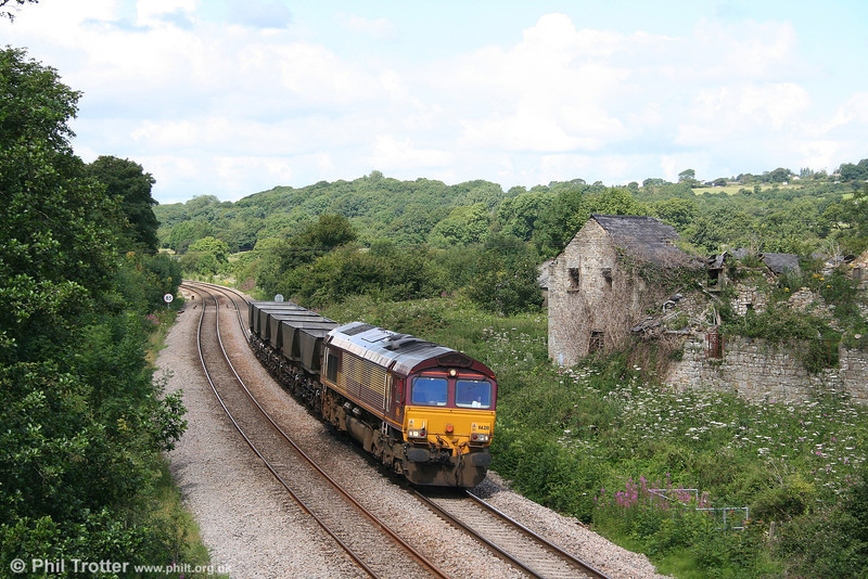 66210 ambles through Llangewydd with 6F51, 1059 Margam to East Usk Yard on 30th July 2007. The six HAAs were being moved to join others to make up a new HAA set.