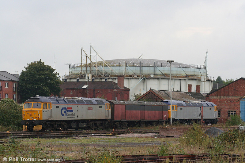 CR 47200 'The Fosse Way' and 47033 in store at Horton Road, Gloucester on 29th September 2007. 47033's current location is near to its original home, having been allocated new to Worcester as D1613 in 1964.