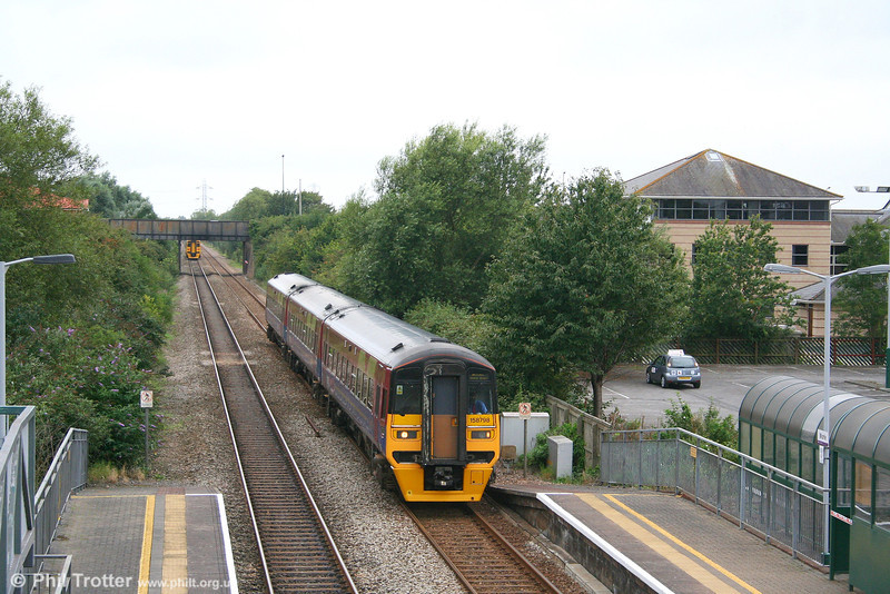 FGW's ex-TPE three car 158798 slows to call at Worle, forming the 0938 Taunton to Bristol Temple Meads on 18th August 2007.