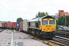 66570 at Basingstoke on 16th June 2007 with 4O02, 1114 Lawley Street - Southampton Freightliner.