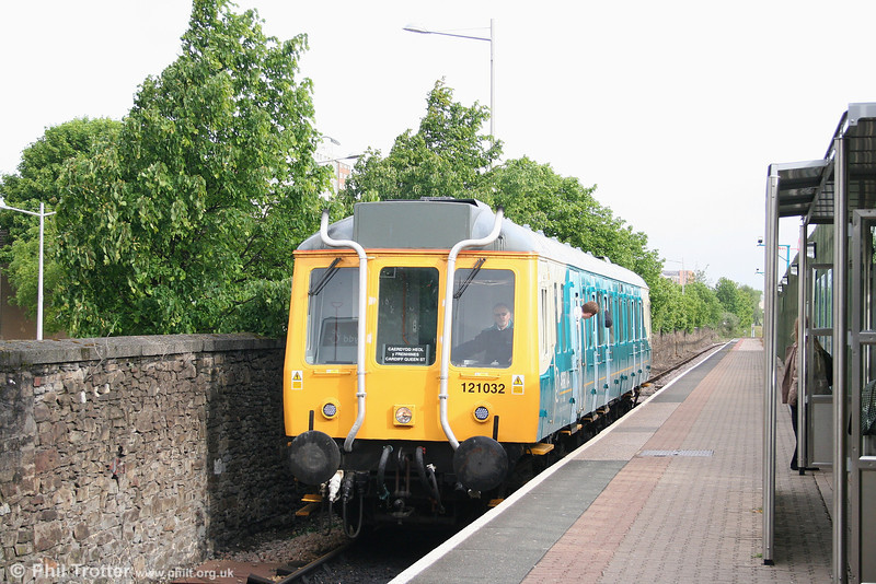 Despite rumours of its impending demise, ATW's class 121 'Bubble Car' no. 55032 continues in service on the Cardiff Queen Street - Cardiff Bay shuttle. The 47-year old unit is seen arriving at Cardiff Bay as the 0842 from Queen Street on 10th May 2007.