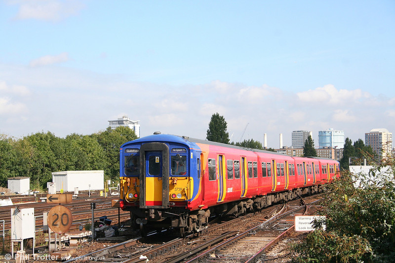 With its destination blinds set for its next working, 455739 heads away from Clapham Junction with a service terminating at London Waterloo on 22nd September 2007.