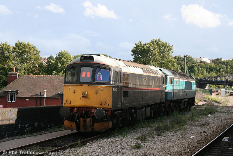 33202 stabled at Bristol Temple Meads on 6th August 2007.