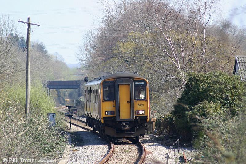 Former FGW 150251 approaches Abercynon South forming the 1041 Merthyr - Bridgend (via Rhoose) service on 9th April 2007.