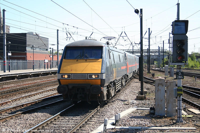 91106 'East Lothian' at Doncaster with the 1210 King's Cross to Leeds on 30th April 2007.