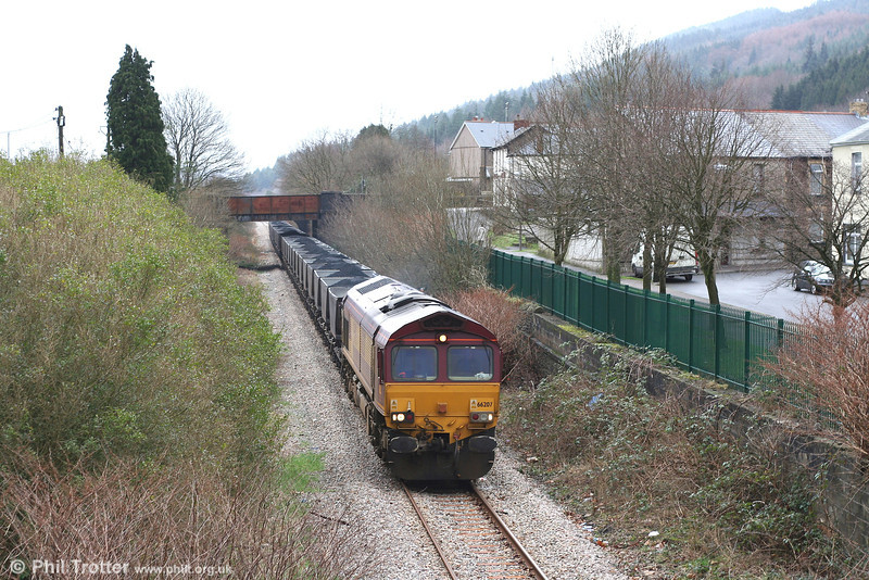 66207 passes the site of Resolven Station with 6C32, Cwmgwrach - Aberthaw Power Station on 24th February 2007. Passenger services ended in June 1964.