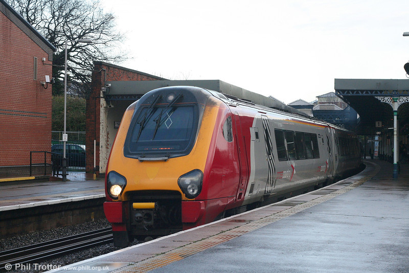 A Cross Country class 220 leaves Cheltenham Spa forming the 0925 Newcastle to Bristol Temple Meads on 1st December 2007.