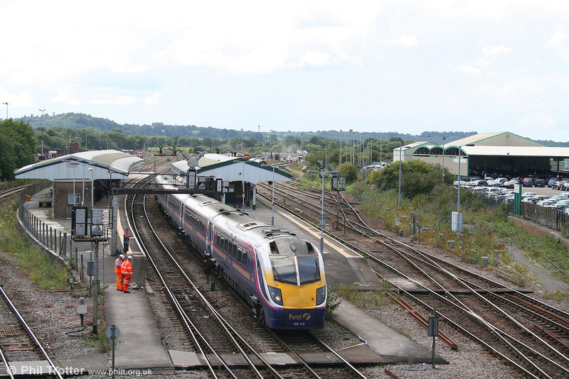 180112 departs from Westbury forming the 1207 Exeter St. Davids to London Paddington on 6th August 2007.