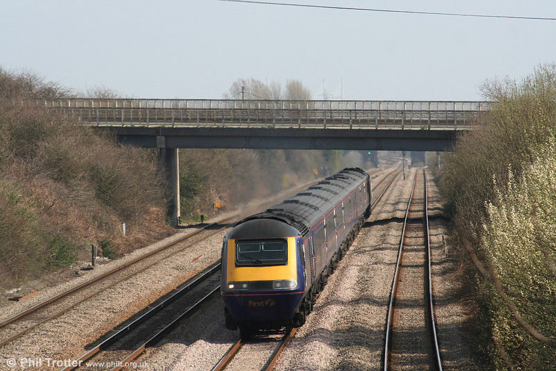 An unidentified FGW HST roars through Llandevenny forming 1B25, the 1045 Paddington to Swansea on 17th March 2007.