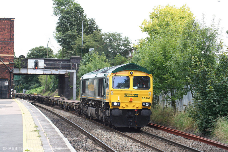66592 passes Water Orton with 4M94, 0730 Felixstowe to Birmingham Lawley Street on 7th August 2007.