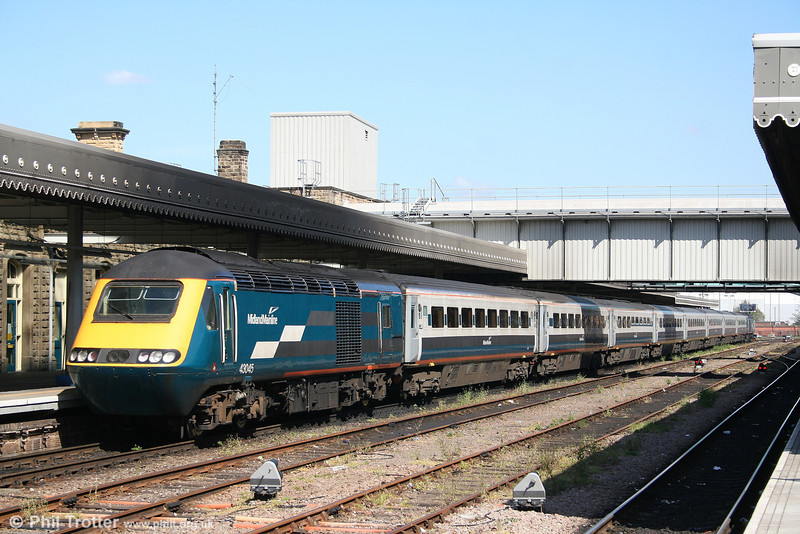 Midland Mainline 43045 at the head of the 1127 Sheffield - London St. Pancras on 30th April 2007.