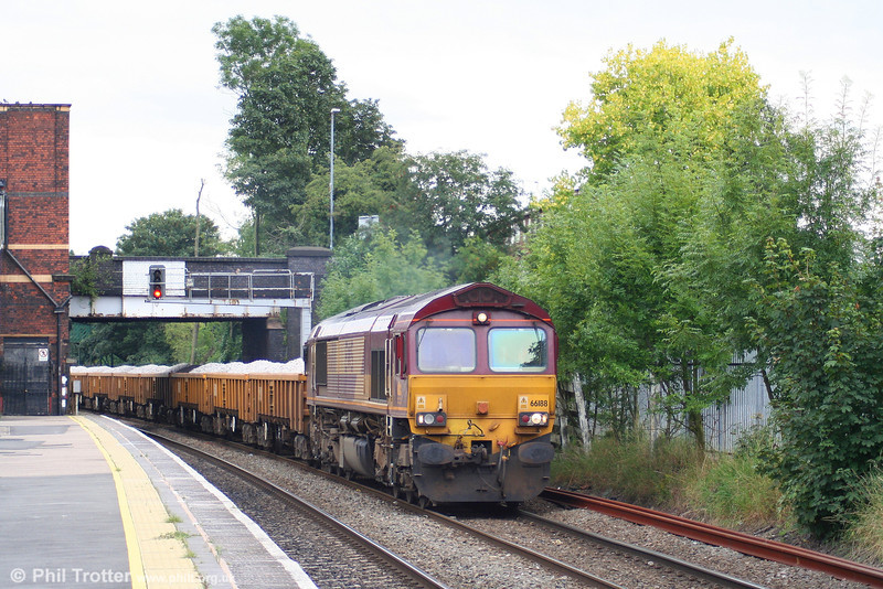 66188 at Water Orton on 7th August 2007 with 6V59, 1032 Mountsorrel to Westbury ballast train.