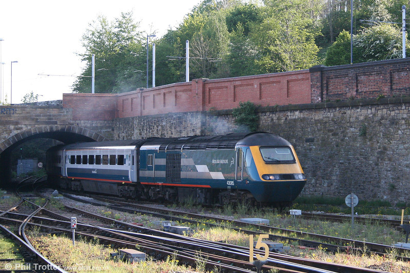 MML 43085 at Sheffield with the 0726 Leeds - London St. Pancras on 1st May 2007.