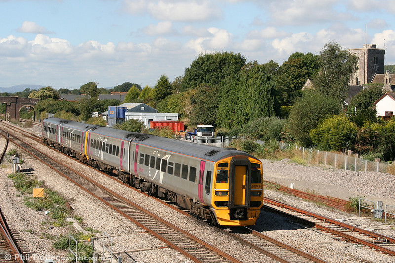 The former Wessex Trains 'Alphaline' livery will disappear shortly as FGW refurbishes its fleet of units. 158749 leads a pair of class 158s still with full 'Alphaline' branding through Magor on 15th September 2007. The train is the 1230 Cardiff to Portsmouth Harbour.