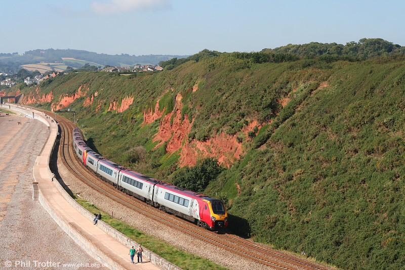 VXC 220014 'South Yorkshire Voyager' and 221116 'David Livingstone' round the coast at Langstone Rock, Dawlish Warren forming the 0805 Penzance to Newcastle on 8th September 2007. This was the final weekend of strengthened VXC summer services for 2007 and, as Arriva will hold the franchise next summer, possibly ever.