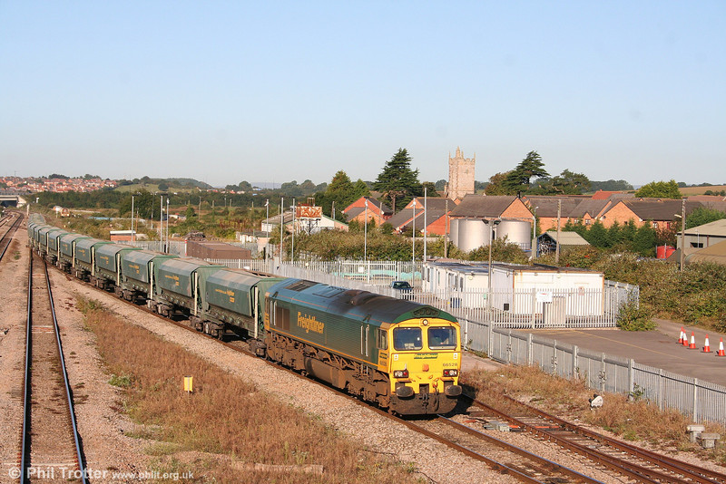 FHH 66528 heads through Severn Tunnel Junction with 6Z28, 0831 Cardiff Pengam to Theale on 15th September 2007.