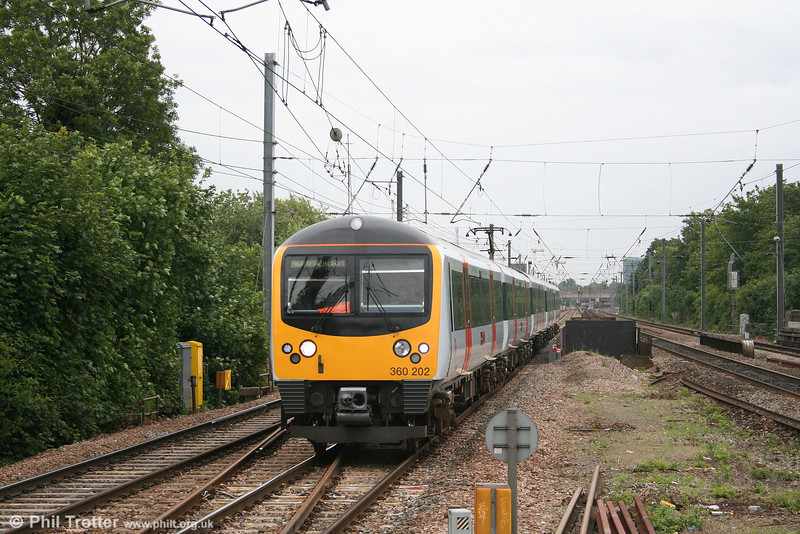 360202 slows to call at Hanwell with the 1603 Paddington - Heathrow Airport on 5th July 2007. Heathrow Connect trains are the only services which nowadays call at Hanwell.