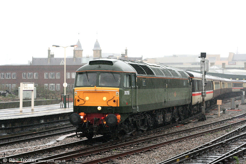 47773/D1755 passes through Bristol Temple Meads with Vintage Trains 1Z57, 1000 Tyseley Warwick Road to Minehead, 'Dunster by Candlelight Explorer' on a very wet Saturday 8th December 2007.