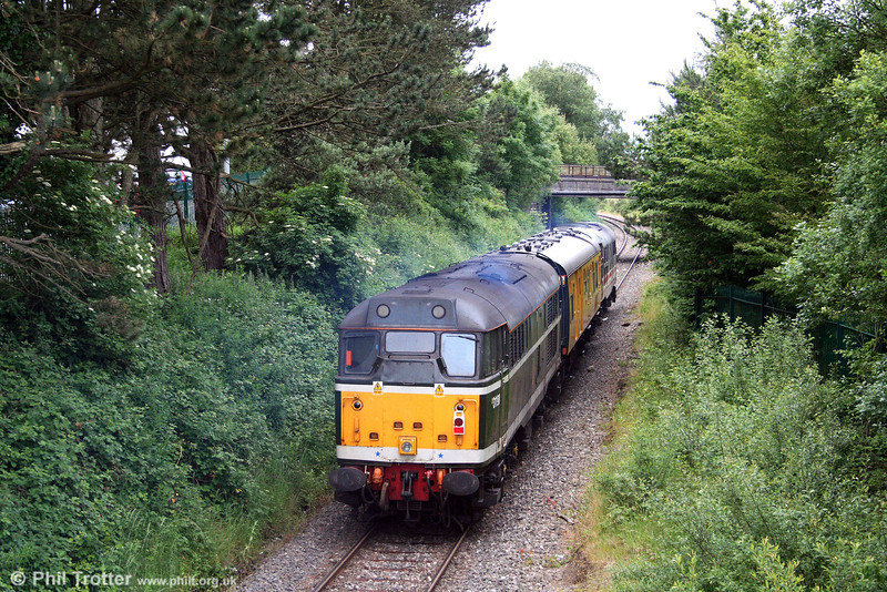 Returning from Onllwyn, 31190/D5613 is seen at the rear of test train 2Z08 as it passes Seven Sisters on 17th June 2008.
