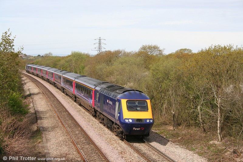 FGW 43177 makes light work of Stormy Bank with the 0935 Carmarthen to London Paddington on 26th April 2008.