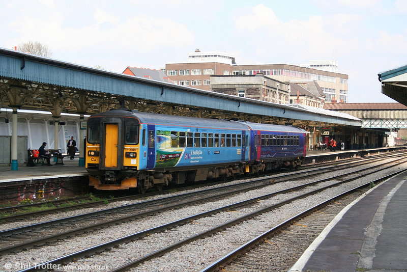 FGW's 153329 and refurbished 153377 at Newport while working the 1207 Taunton to Cardiff Central on 16th April 2008.