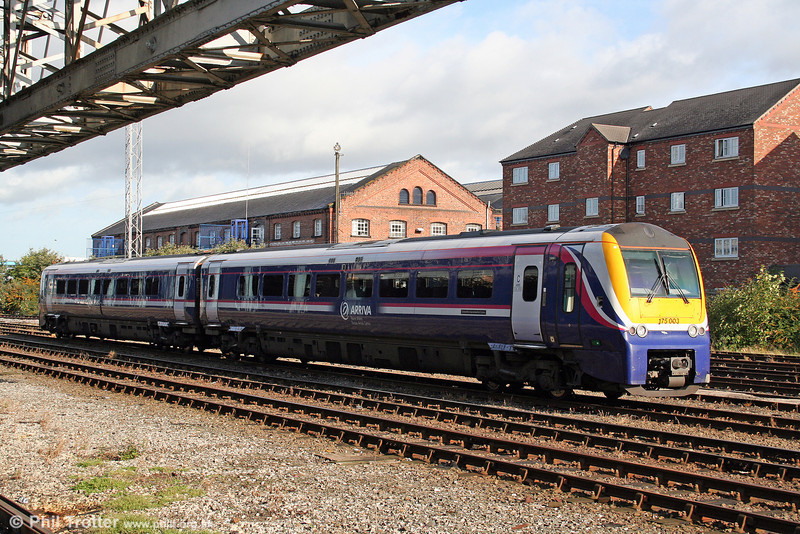 A final look at one of ATW's two-car class 175s in its original colours, all but two having been repainted into the brighter ATW corporate livery at the time of this photograph. 175003 rests at Chester on 3rd September 2008.