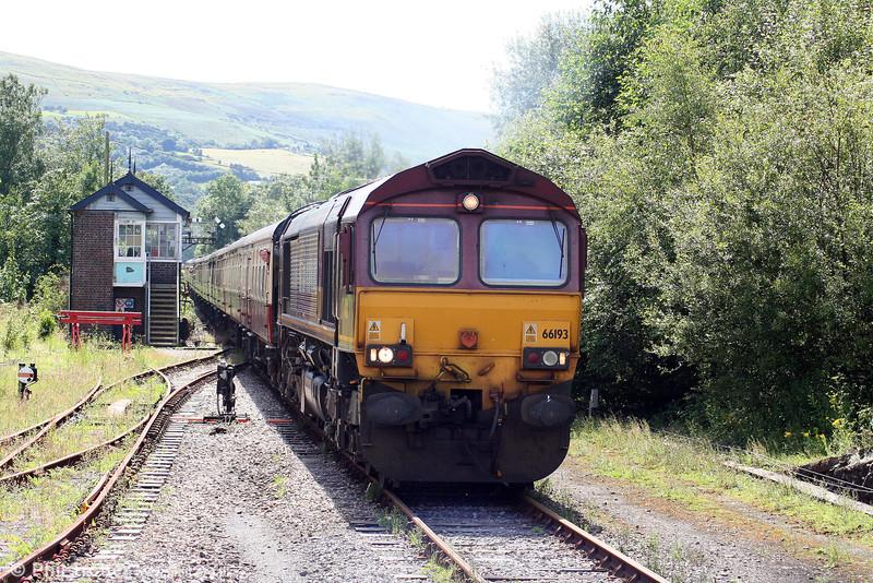 66193 proceeds towards Pantyffynnon station with UK Railtours 1Z66, 0738 London Paddington to Llandrindod Wells on 2nd August 2008.