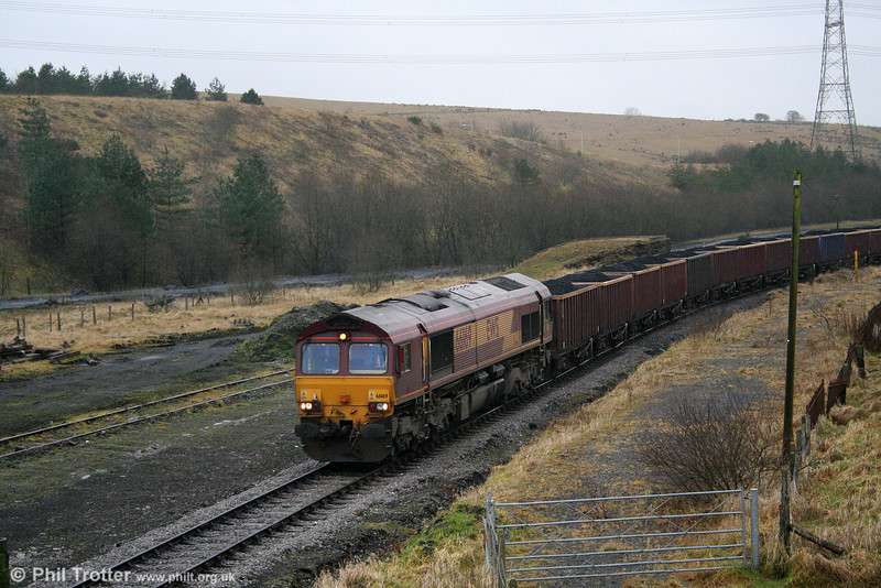 66169 crawls through the remnants of Onllwyn Station with 6F76, 1013 from Parc Slip on 20th December 2008.