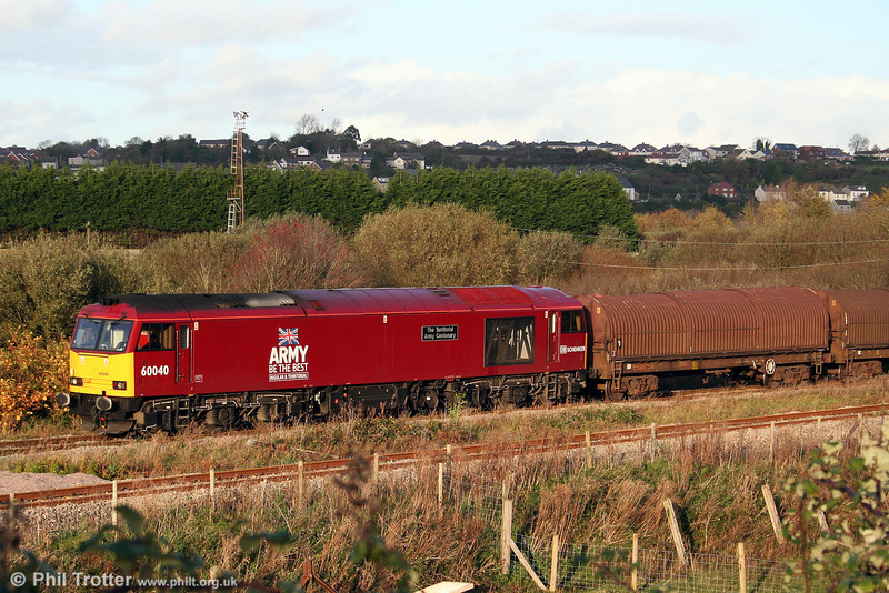 Army liveried 60040 'The Territorial Army Centenary' arrives at Trostre in the autumn sunshine with 6B12, 1423 from Margam on 26th October 2008.