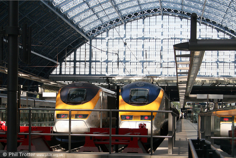 Class 373 'Eurostar' sets 3001 and 3009 at St. Pancras International on 20th September 2008.
