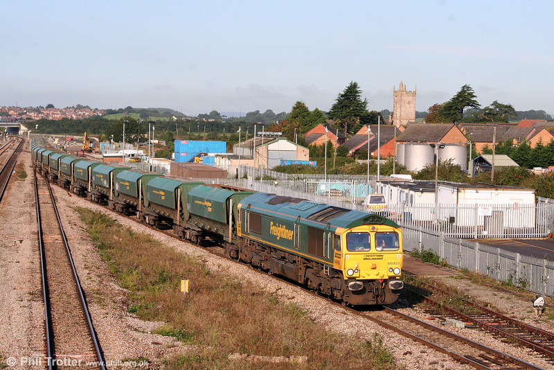 66952 at Severn Tunnel Junction with 6Z28, 0825 Cardiff Pengam to Theale on 13th September 2008.