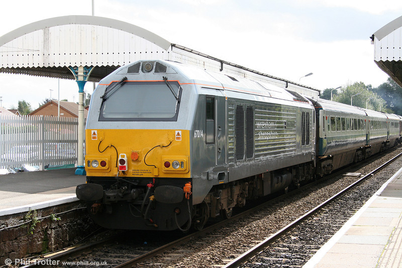 67014 'Thomas Telford' at Gobowen, bringing up the rear of 1P13, 1110 Wrexham to London Marylebone on 2nd September 2008.