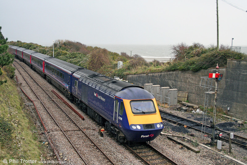 The sea in the background looks distinctly uninviting as 43196 passes Aberthaw heading 1B17, the 0930 London Paddington to Swansea on 9th November 2008.