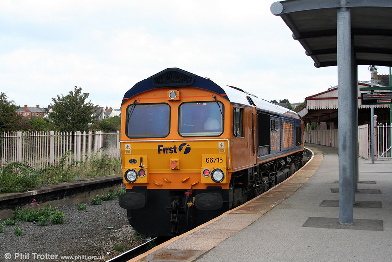 GBRf 66715 'Valour' waits to leave Barry Island as 0Z48 to Bristol on 10th September 2008.