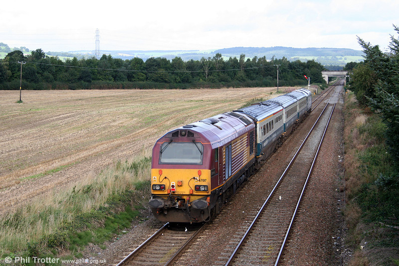 67017 'Arrow' brings up the rear of WSMR's 1J80, 0645 London Marylebone to Wrexham as it heads away from Gobowen on 2nd September 2008.