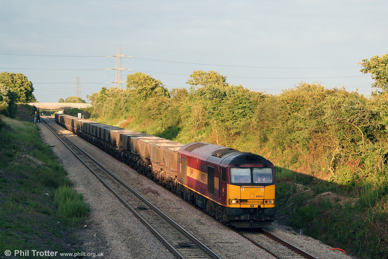 60021 'Star of the East' heads west down Stormy Bank with 6B63, 1749 Westbury Cement Works to Margam empty HAAs on 23rd June 2008.