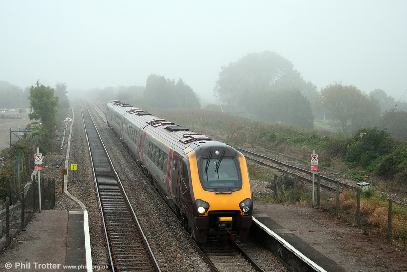 A XC class 220 passes Pilning forming the diverted (via Newport) 0930 Bristol Temple Meads to York on 27th September 2008.